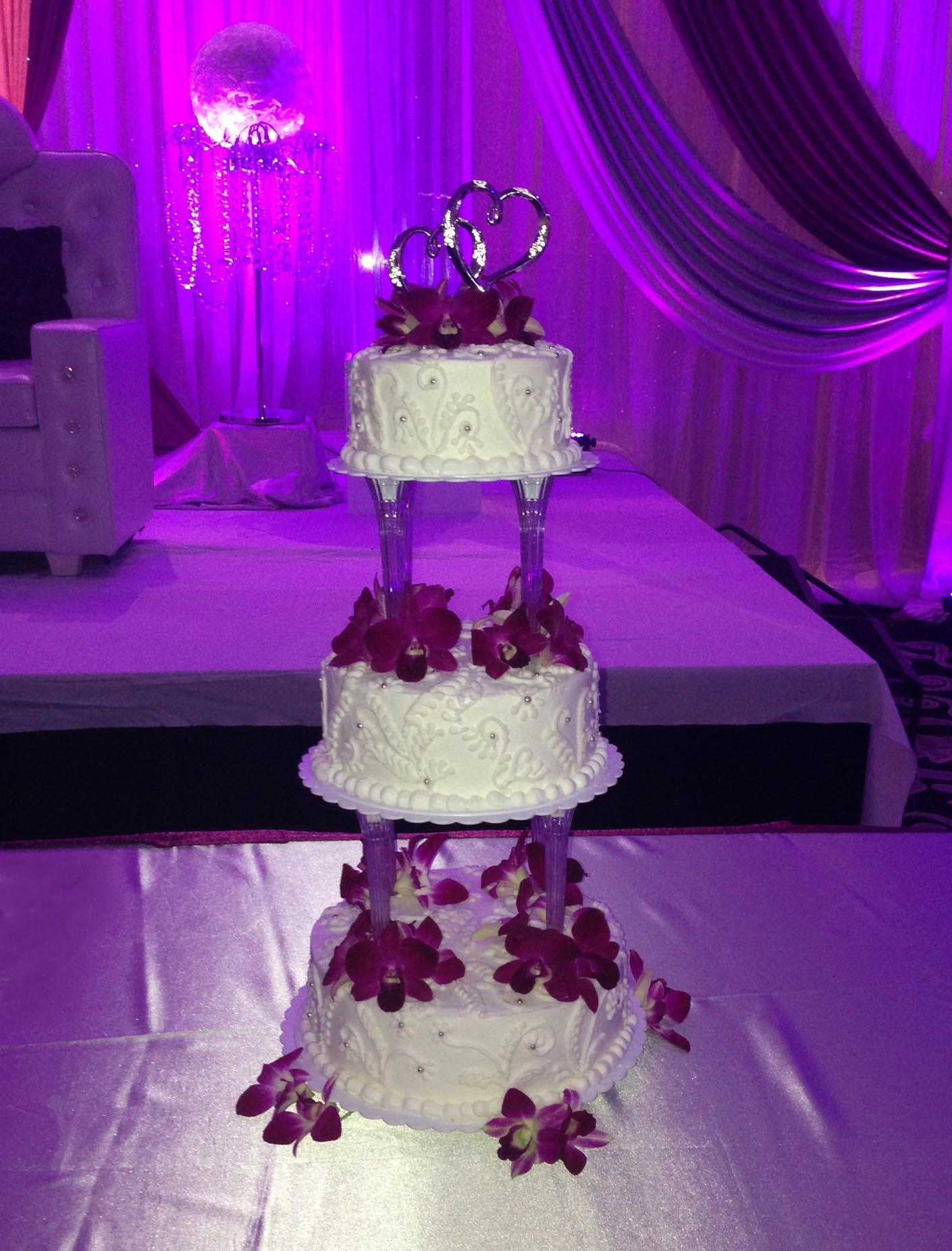 Swirl and Fresh Flower 3 Tier Cake