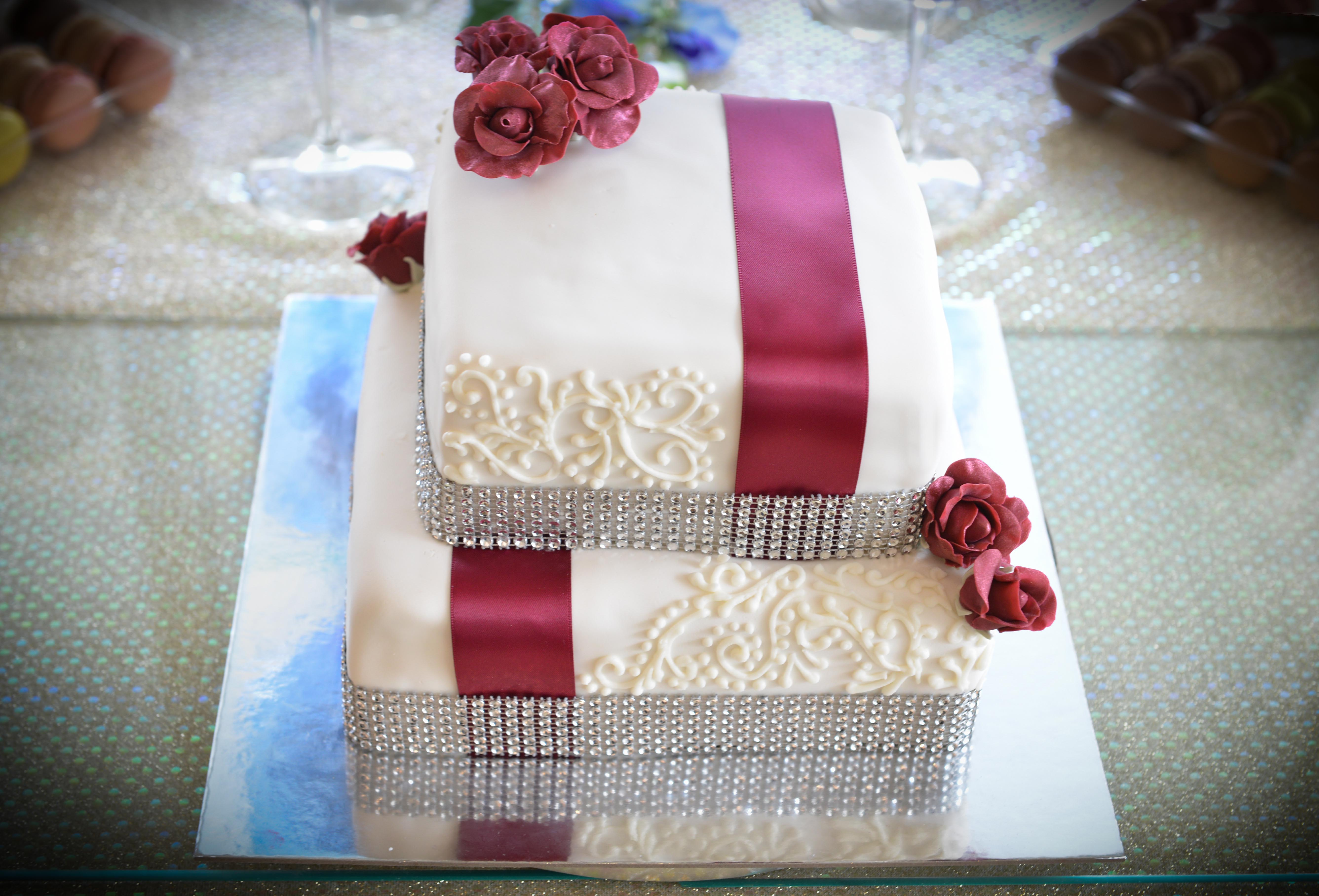 Red Rose and Ribbon Cake