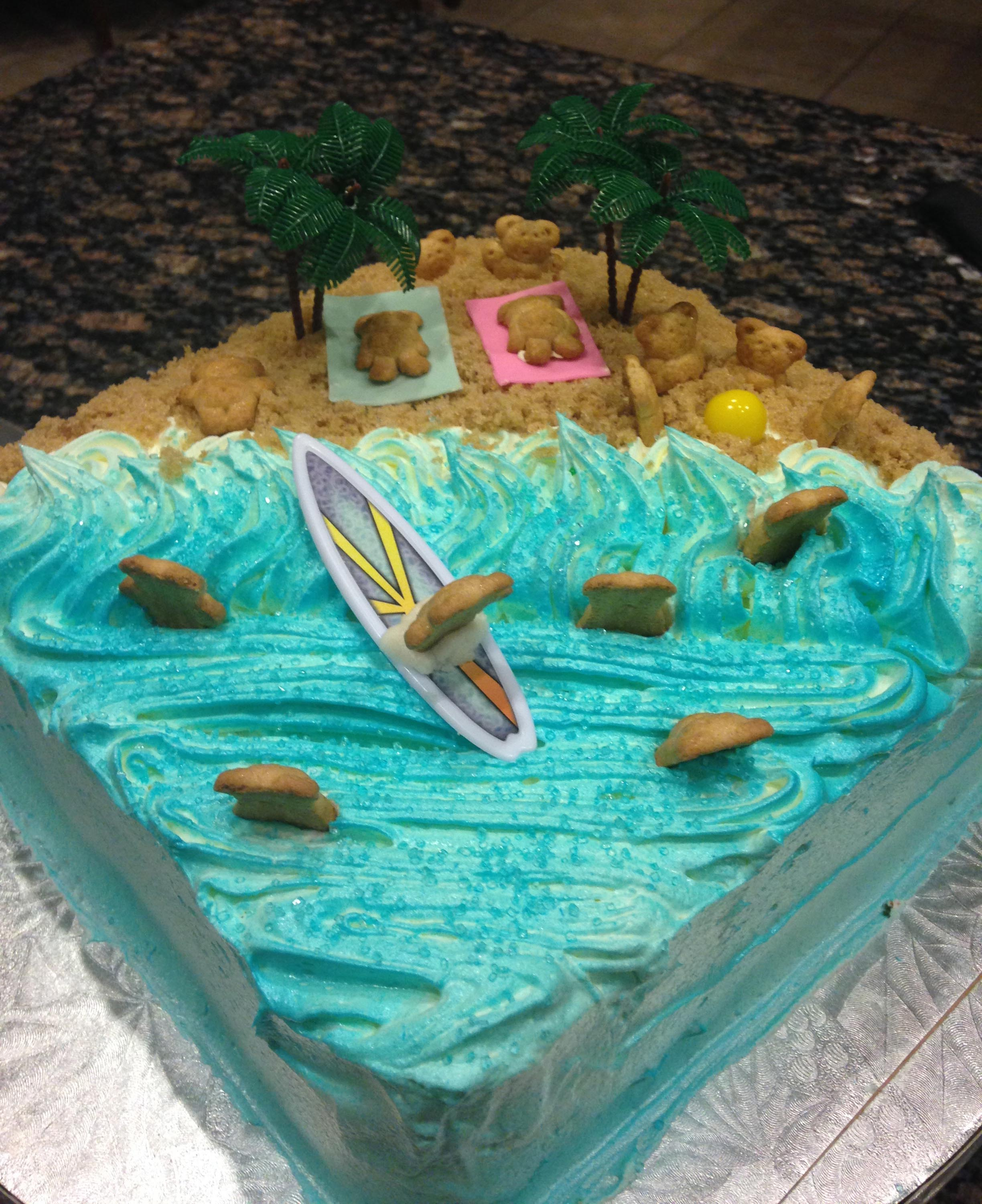 icingsrus-Surfing-Teddy-Graham-Cracker-Cake