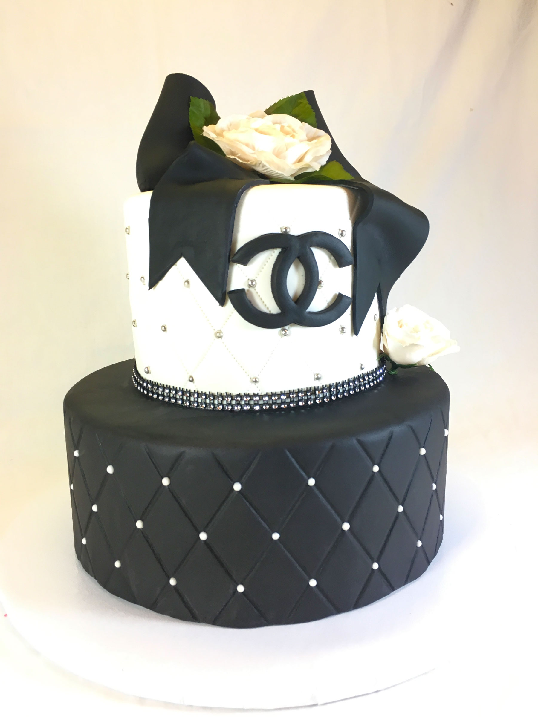 2-tier-black-and-white-chanel-flower-cake