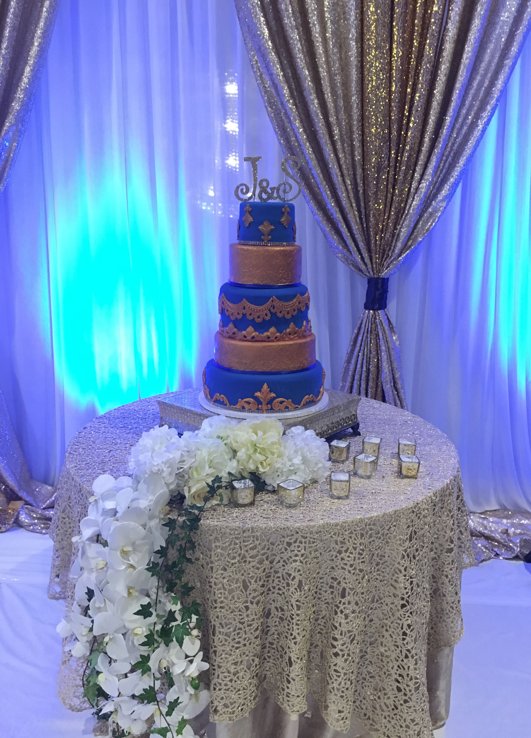 5-tier-blue-and-gold-wedding-cake