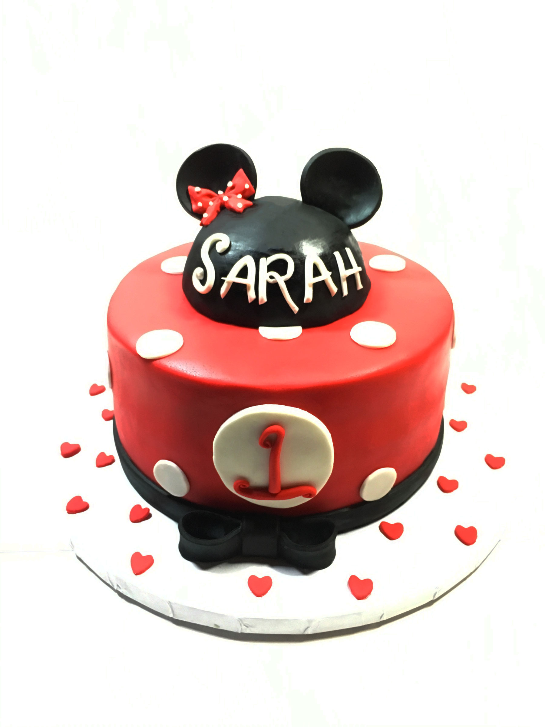 minnie-mouse-hearts-cake
