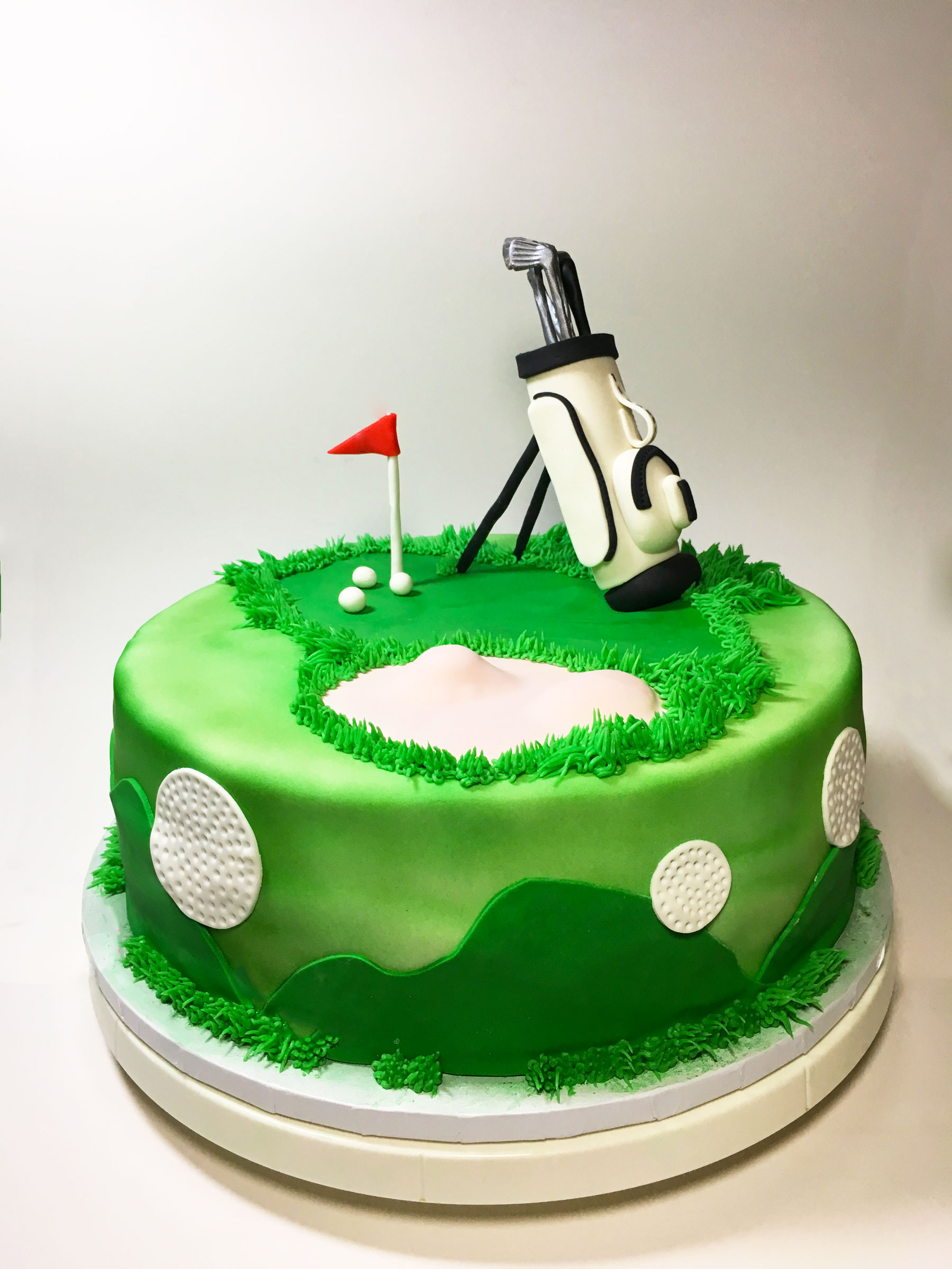 top-gold-putting-green-cake